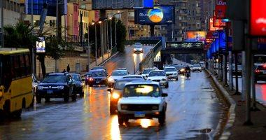 المرور يناشد المواطنين توخي الحذر وتخفيض السرعات بالطرق بسبب الأمطار