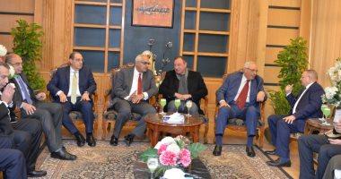رئيس جامعة المنصورة يستقبل محمود الخطيب ووزير التعليم العالى الأسبق