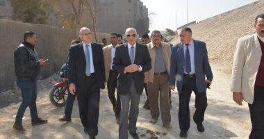 محافظ الجيزة يتفقد لجنة الاستفتاء على الدستور فى فيصل
