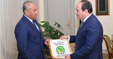 """السيسى يؤكد لرئيس """"كاف"""" حرص الدولة على توفير جميع المتطلبات لنجاح كأس الأمم"""