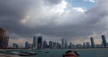 طقس غائم على معظم أنحاء البحرين مع فرصة لتساقط أمطار