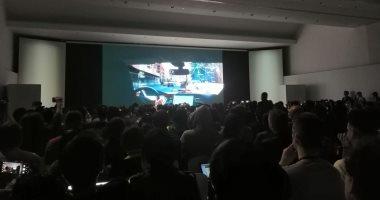 منافسة شرسة بين مصنعى الأجهزة الذكية خلال المعرض العالمى للهواتف.. صور