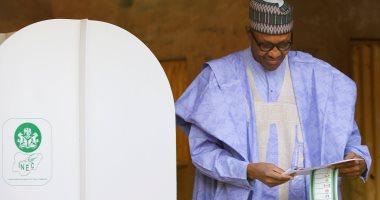 رئيس نيجيريا يقرر بيع أصول الفاسدين لصالح الخزانة العامة