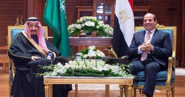 صور.. محادثات الرئيس السيسى والملك سلمان قبيل القمة العربية الأوروبية تتصدر صحافة المملكة