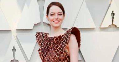 """Louis Vuitton"" كلمة السر فى إطلالة إيما ستون البراقة فى حفل الأوسكار"