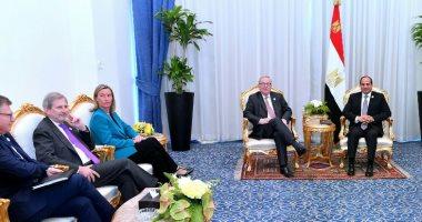 """السيسى يؤكد لـ """"يونكر"""" الاهتمام بتعزيز استثمارات الاتحاد الأوروبى فى مصر"""