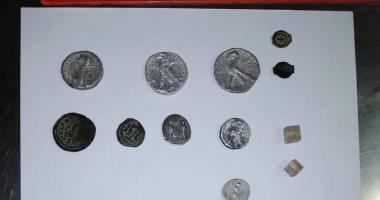 مديرة وحدة آثار مطار الأقصر: العملات المضبوطة بحوزة راكب تعود للعصر اليونانى