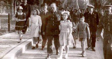 قصة صورة.. الملك فاروق وابنته فى زيارة تاريخية لحديقة الحيوان بالجيزة