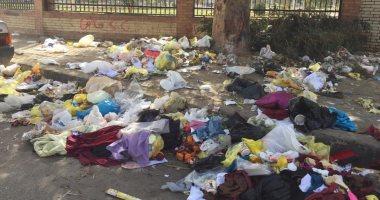 شكوى من انتشار القمامة بالحى السابع فى مدينة نصر..والأهالى يطالبون بصناديق