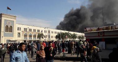 قيادات شرطة النقل والمواصلات تنتقل لمكان حريق محطة مصر