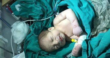 العثور على طفل حديث الولادة داخل حقيبة بمنطقة التبين