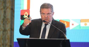 وزير قطاع الأعمال: مضاعفة أجور قطاع الغزل والنسيج بعد التطوير