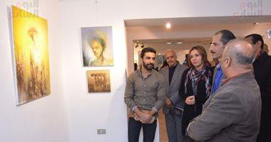 """شاهد.. وليم صفوت يشارك فى معرض """"لغة الجسد"""" بـ متحف أحمد شوقى"""