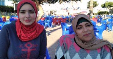 فتيات بكفر الشيخ تنظمن المعارض لتوفير السلع بسعر الجملة لمساعدة ربات المنازل