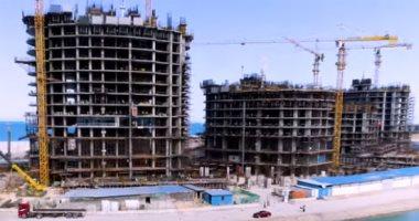 مسئولو الإسكان يتفقدون الأبراج الشاطئية بمدينة العلمين الجديدة
