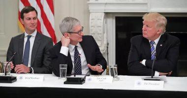 ترامب يلتقى رئيس أبل تيم كوك ويتناقشان حول حرب التجارة الصينية