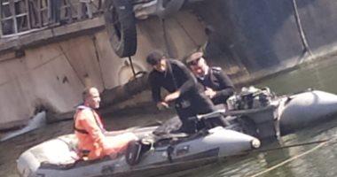 إنقاذ مركب من الغرق بجوار كوبرى الجامعة فى الجيزة