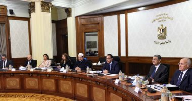 رئيس الوزراء يُتابع تنفيذ تكليفات الرئيس بطلاء واجهات المبان بالعاصمة المحافظات