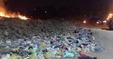 شكوى من تراكم القمامة أمام مدينة التوفيقية بالحى 11 فى مدينة نصر