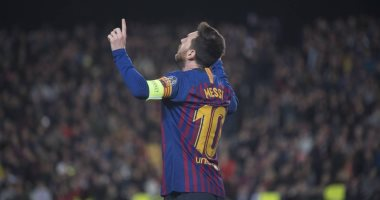 ميسي يتخطى إنييستا بدوري الأبطال في قمة برشلونة ضد مانشستر يونايتد