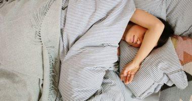 """لو عندك """"أوفر ثينكينج"""" ..اعرف سبب كثرة التفكير قبل النوم وإزاى تعالجه"""