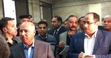 """فيديو.. وزير النقل ينتقد مستوى النظافة بـ""""محطة مصر"""""""