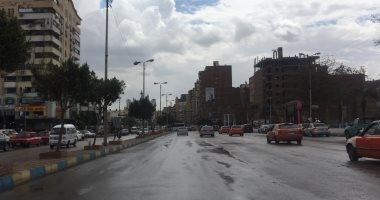 صور .. سقوط أمطار  على الإسماعيلية