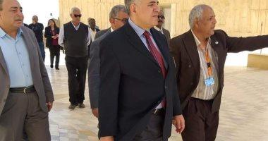 صور.. وزير الرى يتفقد منطقة السد العالى ومنطقة رمز الصداقة المصرية السوفيتية