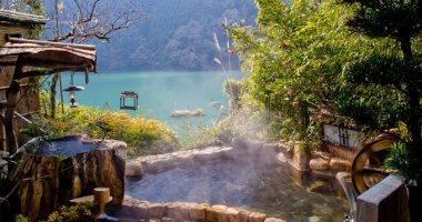 رحلة لليابان.. 12 موقعا لينابيع المياه الساخنة من أجل الاسترخاء والعلاج.. صور