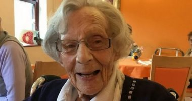 مسنة بريطانية عمرها 104 أعوام تدخل السجن بسبب حبل غسيل.. اعرف الحكاية