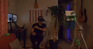 168 ساعة من الـ VR .. رجل يقضى أسبوعا كاملا داخل الواقع الافتراضي