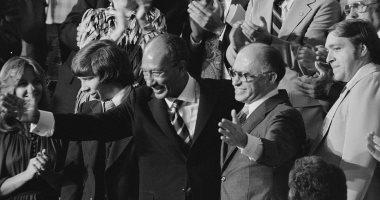 رويترز تنشر صورا من معاهدة كامب ديفيد احتفالا بذكرى تحرير طابا الـ30