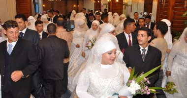 محافظ المنيا يٌسلم 200شهادة أمان للسيدات المعيلات مقدمة من جمعية الأورمان