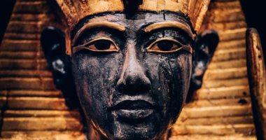 تعرف على حكاية تابوت توت عنخ آمون منذ اكتشافه بالأقصر ونقله للمتحف الكبير