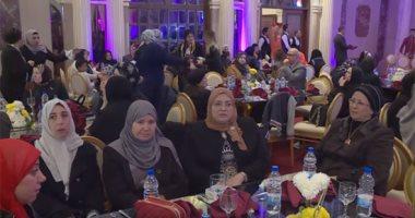 فيديو.. الاحتفال بأمهات شهداء الشرطة بحضور فنانين وقيادات أمنية