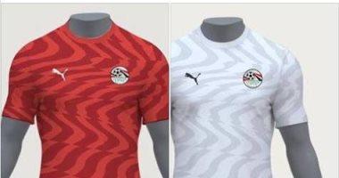 """وفد من شركة الملابس الجديدة يصل معسكر المنتخب بعد أزمة """"القميص"""""""