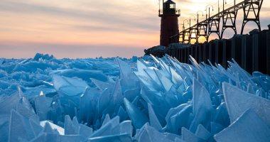 مشهد خيالى.. ذوبان الجليد فى بحيرة frozen بأمريكا × 7 صور
