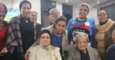بعد حب دام 81 عاما.. زواج عريس الصحفيين حسين قدرى من الأديبة عصمت صادق