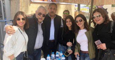 شقيقة أشرف زكى تطلق زغرودة احتفالا بفوزه فى انتخابات المهن التمثيلية