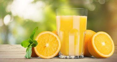 كُل الفاكهة ومتشربهاش عصير.. كيف يؤثر الإفراط فى تناول العصائر على الكبد؟
