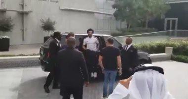 شاهد.. استقبال حافل لـ محمد صلاح فى دبى