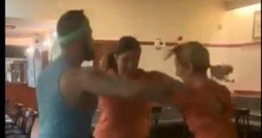 """""""رقصة المثلث"""".. منافسة شبابية شرسة فى Triangle Dance Challenge.. فيديو"""