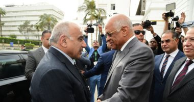 """صور.. رئيس النواب يستقبل رئيس وزراء العراق بـ""""البرلمان"""" بحضور رؤساء لجان نوعية"""
