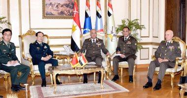 الفريق أول محمد زكى يبحث مع وزير دفاع الصين مجالات التعاون المشترك