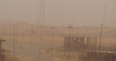 عاصفة ترابية ليلية تضرب محافظة سوهاج والمرور يناشد السائقين بتوخى الحذر