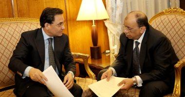 عبد الرحيم على يلتقى وزير التنمية المحلية لعرض مشكلات الدقى والعجوزة