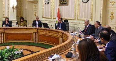 صور.. رئيس الوزراء يعقد اجتماعا مع مطورين عقاريين ويتابع مشروعات العاصمة الإدارية