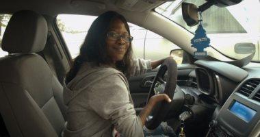 جانيت أثناء القيادة