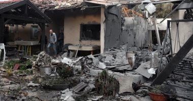 أول صور من موقع سقوط صاروخ على منزل بتل أبيب