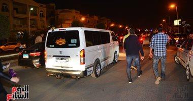 تشييع جثمان والدة أحمد صلاح حسنى لمثواها الأخير بمقابر العائلة